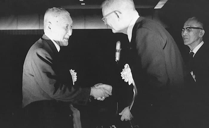 photo of Professor Deming and Toyota President Fukio Nakagawa